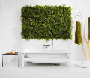 Badkar från Gustavsberg med inbyggd växtvägg ger kantänka en djungelupplevelse.