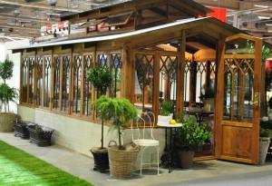 Orangeriet från Qvesarums byggnadsvård är ett karaktärsfullt byggnadsverk.