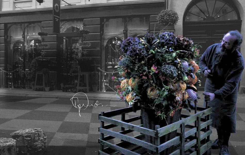 Blomsterinstallationer signerade Tage Andersen som inte är från denna världen.