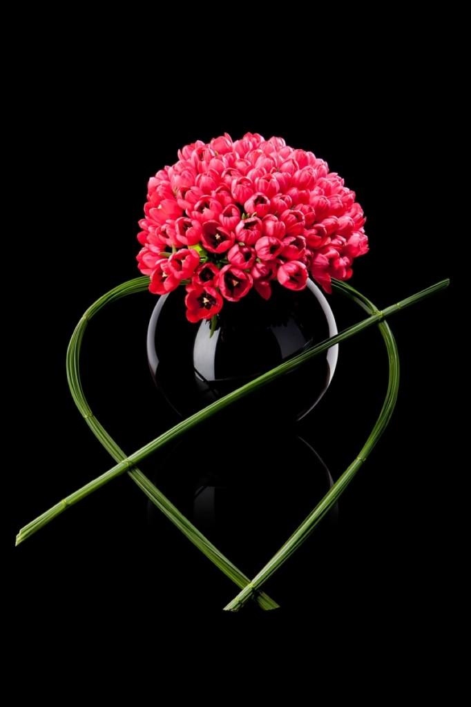 Geometriska blomsterskapelser signerade Giorgio Armani.