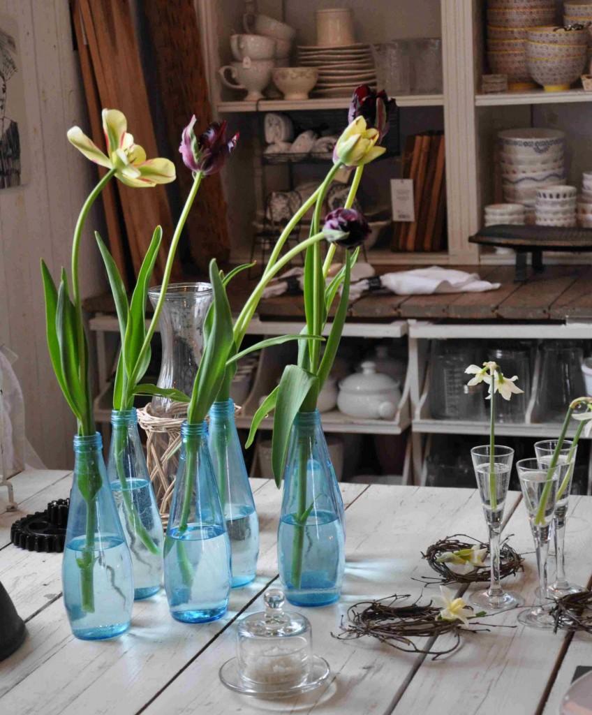 Tulpaner gör sig fint i vaser en och en.